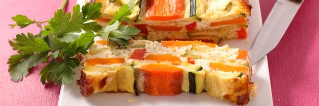 La terrine de courgette colorée aux légumes d'été