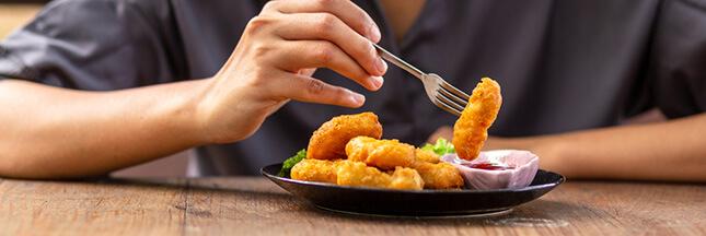 Recette de nuggets maison au pain d'épices et au poulet (option vegan)