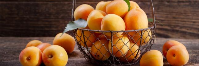 Légumes et fruits d'été: l'abricot pour le tonus