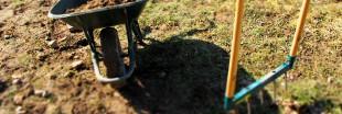 En novembre, on sort la grelinette pour bêcher le jardin