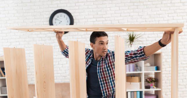 Comment fabriquer sa bibliothèque en bois recyclé?