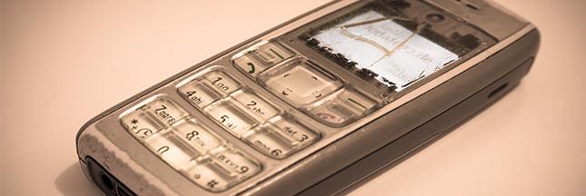 Nos tiroirs sont des cimetières de téléphones usagés