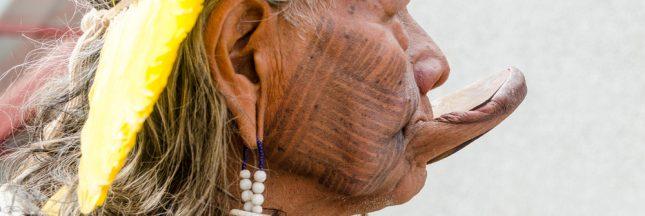 Le cri du chef Raoni pour les jeunes générations d'indigènes