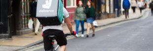 Livraison de repas : la LDH apporte son soutien aux coursiers à vélo