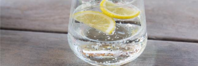 Les eaux pétillantes ont-elles vraiment des vertus digestives?