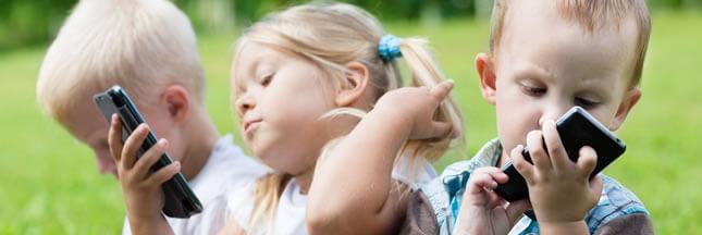 Sondage – À partir de quand considérez-vous qu'un enfant puisse avoir son téléphone portable?