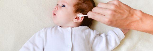 Comment nettoyer les oreilles de votre bébé en douceur?
