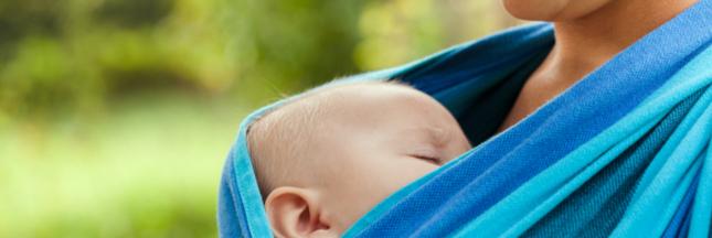 Canicule: gare aux écharpes de portage et aux noyades pour les jeunes enfants