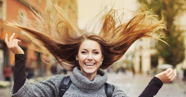 Nos conseils et astuces pour faire pousser ses cheveux plus vite
