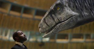 À quelques jours de la COP26, un dinosaure plaide à l'ONU contre les énergies fossiles