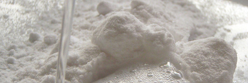 http://www.consoglobe.com/wp-content/uploads/2009/02/bicarbonateUne.jpg