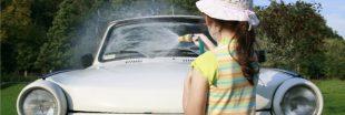 Idée reçue : ne pas laver sa voiture pollue moins