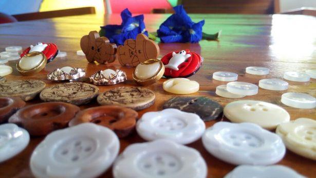 boutons, activités créatives, ateliers récup'