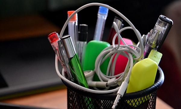 pots-a-crayons-stylos-ecole-02