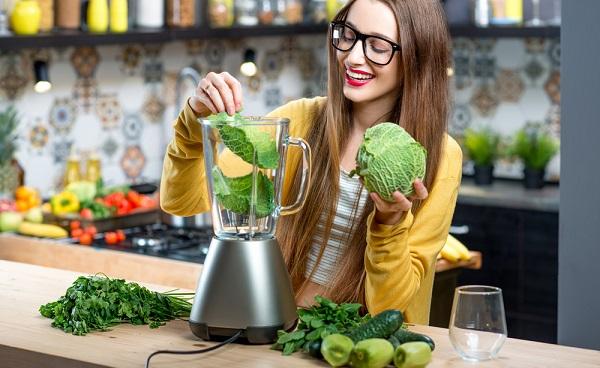 Combattre la fatigue passagère due à des excès alimentaires avec une cure détox