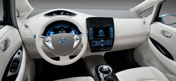 test voiture lectrique la nissan leaf. Black Bedroom Furniture Sets. Home Design Ideas