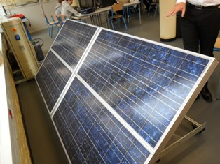 Panneaux solaires à disposition des élèves