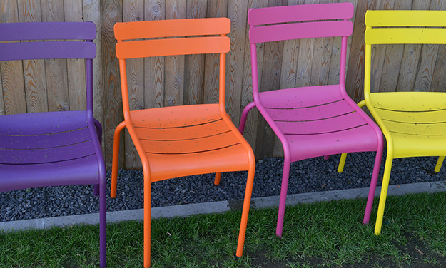 Astuces pour nettoyer son salon de jardin for Salon de jardin metal colore