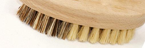 La brosse à fruits et légumes : conservez les fibres