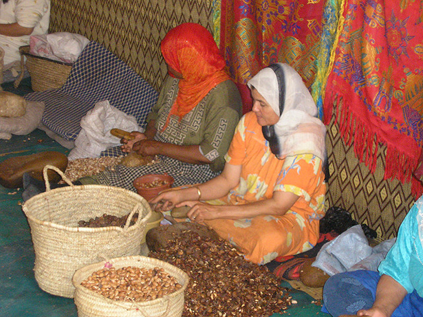 huile d'argan, femmes marocaines, fabrication artisanale