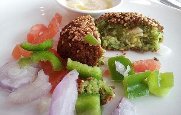 petit-dejeuner-brunch-gateau-fruits-legumes