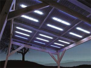 Pergola de nuit, LED des Glasswing® allumées. Photo: SNA Solar