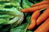 les légumes tordus sur le marché