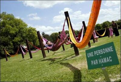Octobre 2007, près de Reims, une manifestation de sensibilisation à la sieste.