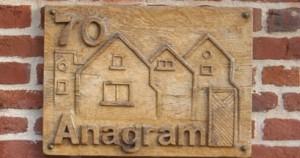 plaque-anagram