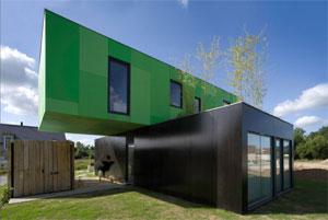 Maison en container, matériaux réutilisé, normes HQE, prix moins élevé, facilités de construction.