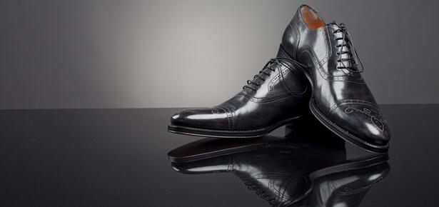 détachant dentifrice chaussures Plus de rayures sur les chaussures en cuir!