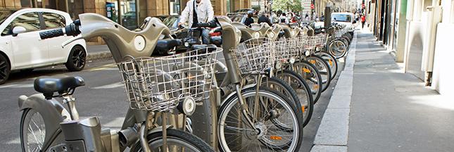 Roulez en vélo sur les Champs Elysées