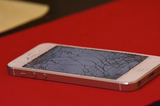 recyclagle vieux téléphone cassé, rachat de téléphone portable
