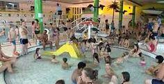 piscine-eau-foule