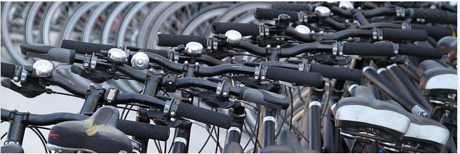 Amsterdam encombrée par des bouchons ... de vélos !