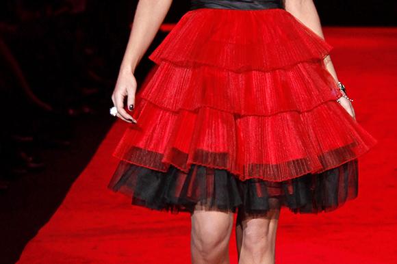 robe-rouge-qualite-vetement-tissu-femme
