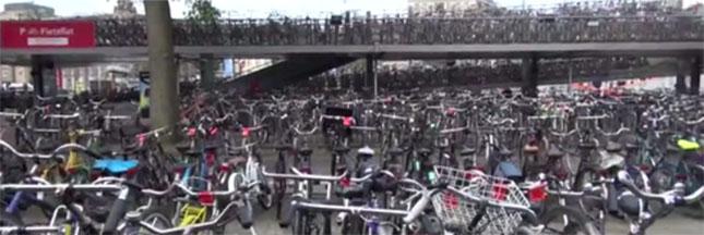 Le règne des vélos à Amsterdam - la vidéo