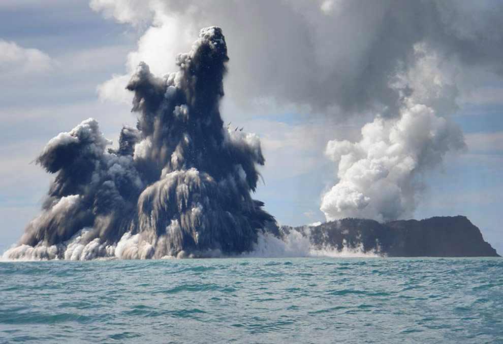 naissance-ile-volcan-ocean