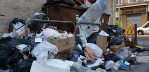 Poubelles qui débordent La Recharge, 1ère épicerie française sans emballages jetables!