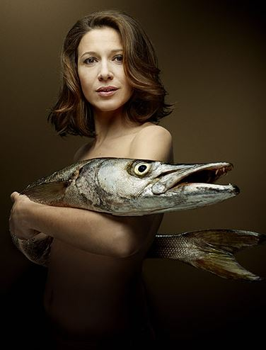 Fishlove-Caroline-Ducey-Barracuda
