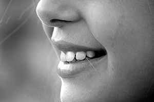 dents-sourire-mordre-alimentation-sante