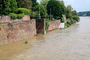 inondation-fance-mur-route