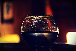 boisson-eau-verre-decoration-lumiere