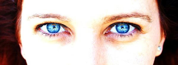 zen-calme-attention-yeux-femme