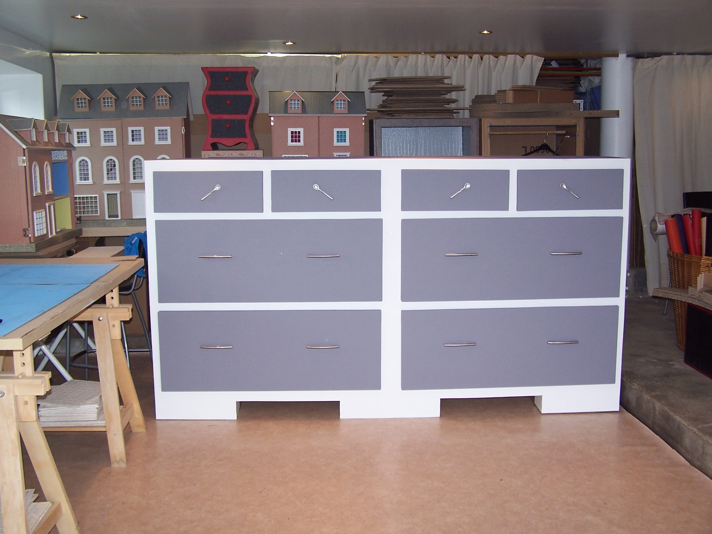 construisez vous m me votre meuble en carton. Black Bedroom Furniture Sets. Home Design Ideas