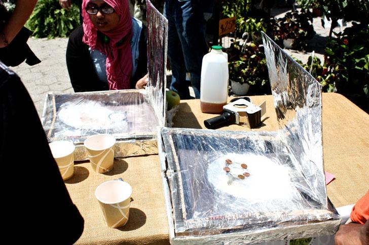 Insolite un four solaire en carton de pizza et aluminium - Fours solaires en afrique ...
