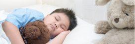 Moins ils dorment, plus les enfants grossissent
