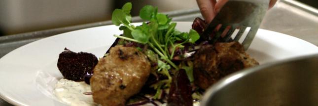 Au Danemark, un restaurant solidaire cuisine les restes