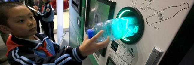 A Pékin, on paie son ticket de métro avec des bouteilles en plastique