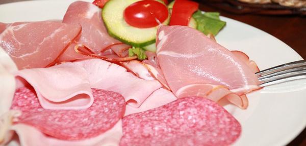 salami-charcuterie-cochenille-jambon